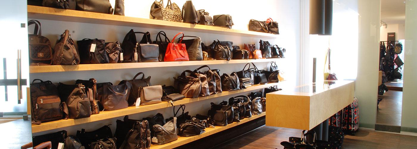 Modische Bags und Handtaschen
